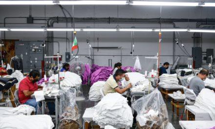 A los fabricantes de prendas de vestir les preocupa que el proyecto de ley de California amenace con una 'ventana dorada' para reubicar puestos de trabajo